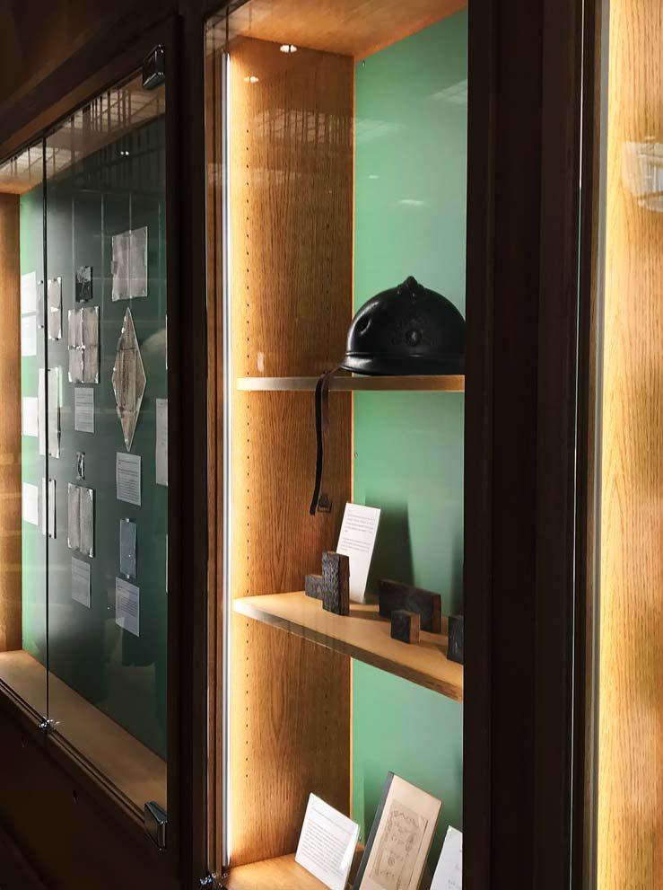 L'une des vitrines consacrées à l'exposition Vive Apollinaire ! © Passéisme.