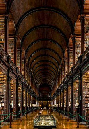 Trésors des bibliothèques  – La Bibliothèque du Trinity College et le Livre de Kells