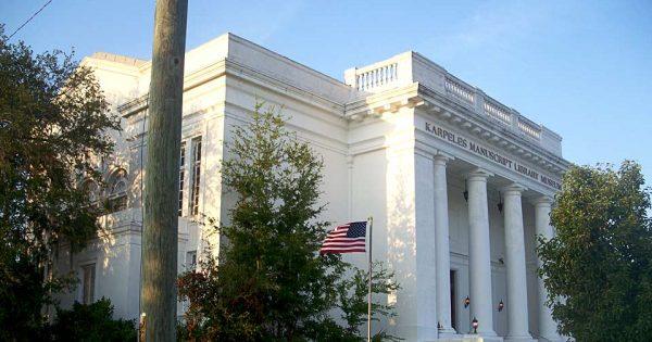 Le Karpeles Manuscript Library Museum de Jacksonville, situé dans une ancienne église à la structure néoclassique datant de 1921. © Ebyabe