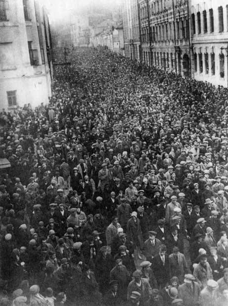 Les funérailles de Vladimir Maïakovski.
